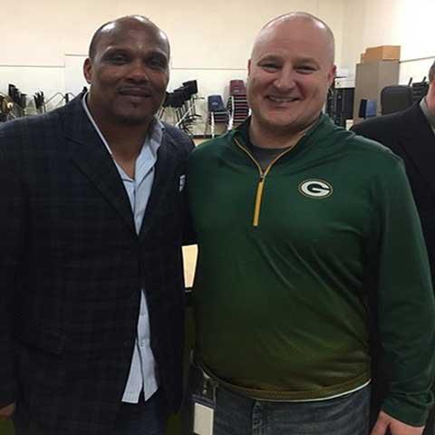 Green Bay Packers star William Henderson visits Dousman Elementary School